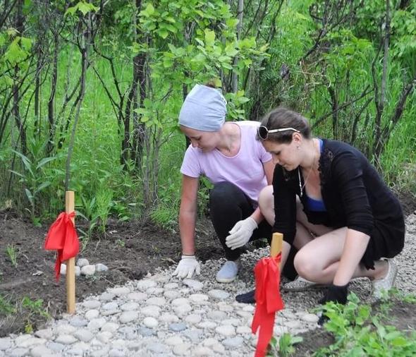На территории Ботанического сада расскажут о временном трудоустройстве подростков вовремя летних каникул