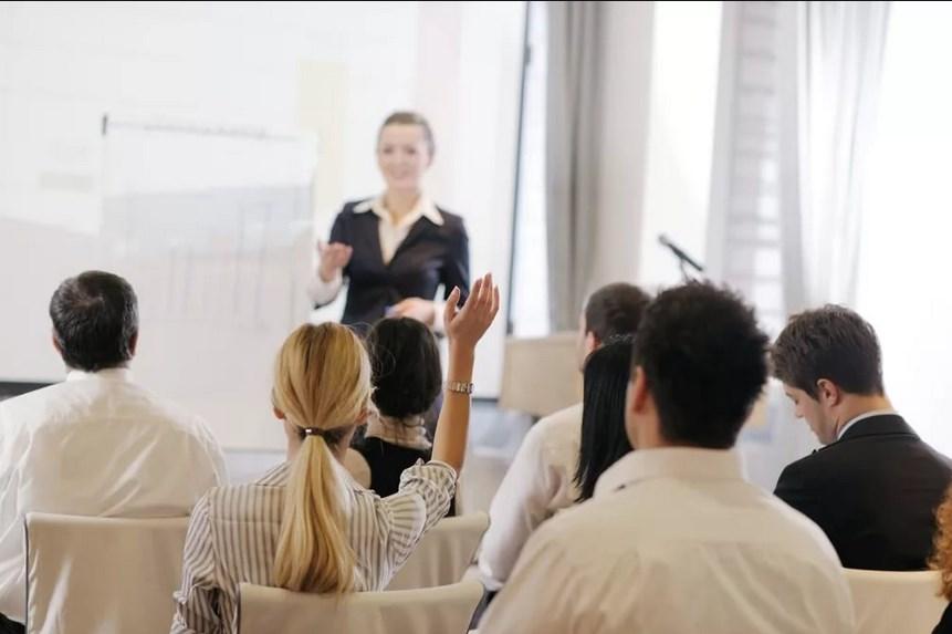 Консультации по вопросам адаптпции на рынке труда и технологии поиска работы