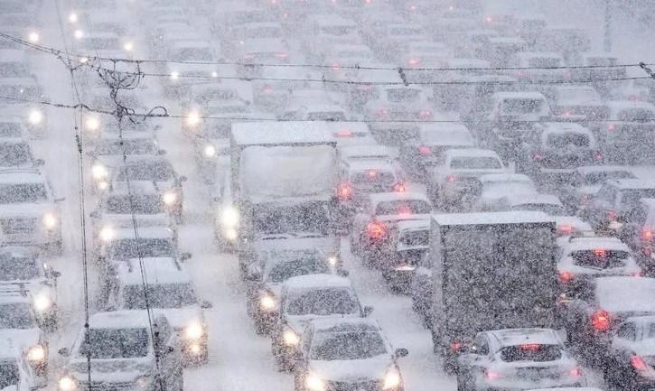 Топилин рассказал, как россиянам избежать штрафов за опоздание из-за снегопада