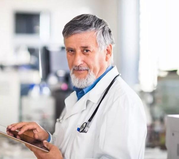 Главные врачи и их заместители теперь не могут быть старше 65 лет