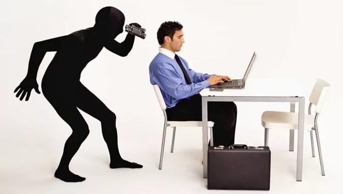Как работодатель может следить за сотрудниками?