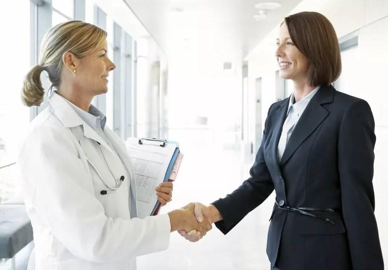 В губернии ведется работа по привлечению медиков в учреждения здравоохранения