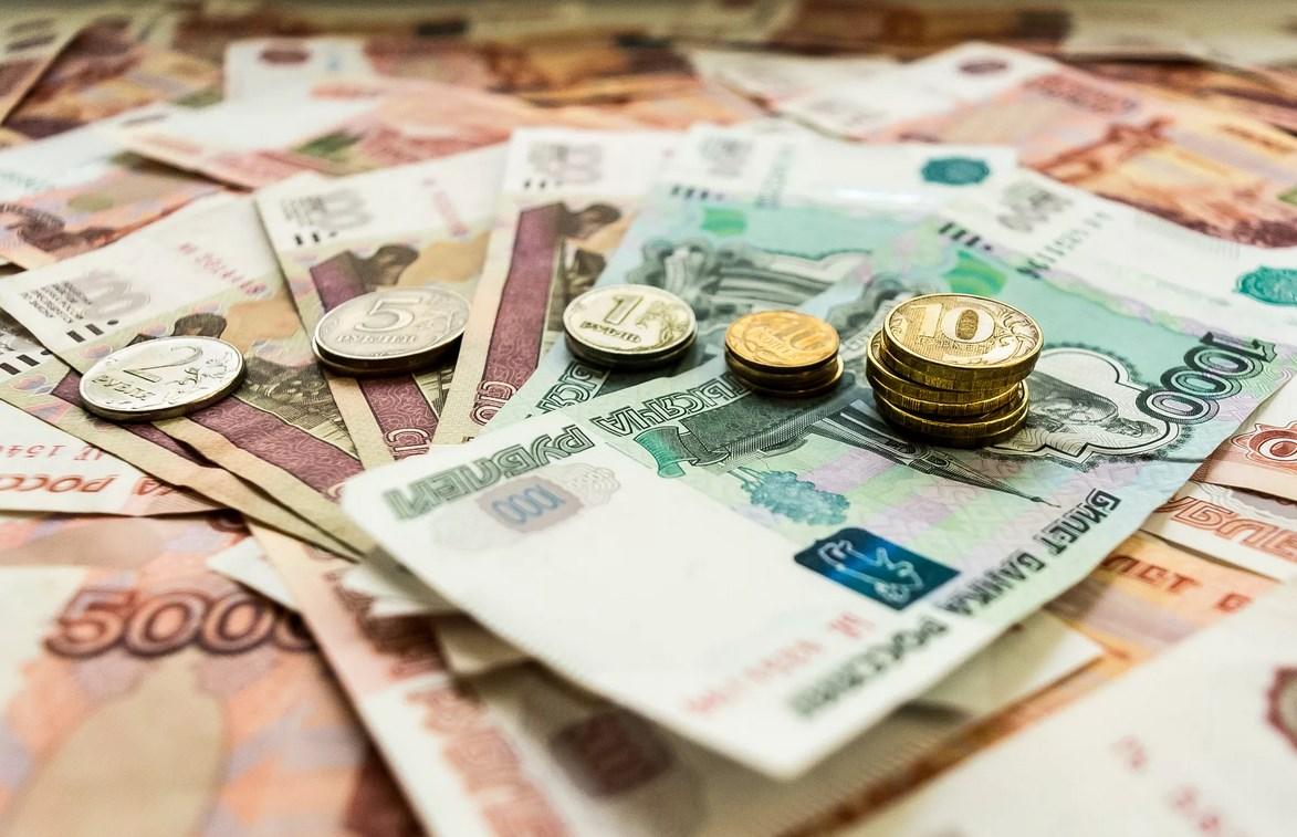 КС РФ: доплата за совмещение не учитывается при сравнении зарплаты с МРОТ